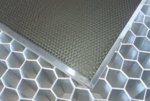 Stół aluminiowy typu plaster miodu