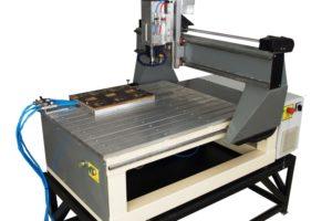 Ploter CNC - dok podciśnieniowy